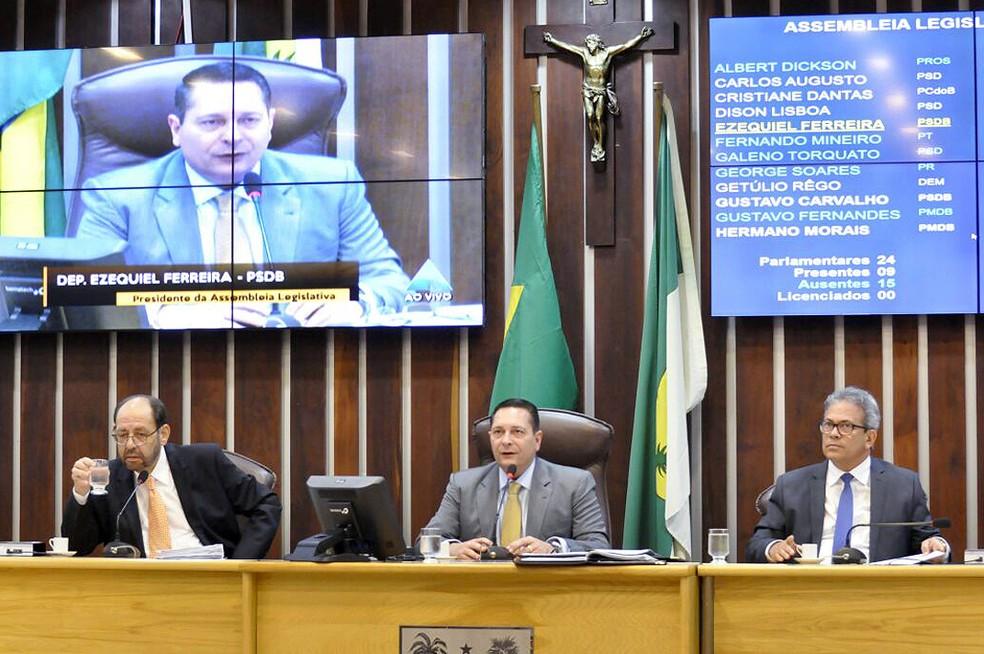 Deputados que integram Mesa Diretora da Assembleia Legislativa teriam se omitido em investigação contra Rita das Mercês, de acordo com MP. (Foto: Eduardo Maia / ALRN)