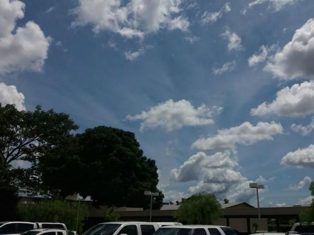 Sexta-feira começa com calor e previsão de chuva em MS