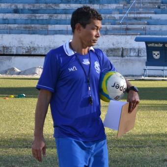 Técnico Alberto Félix Taubaté (Foto: Filipe Rodrigues)