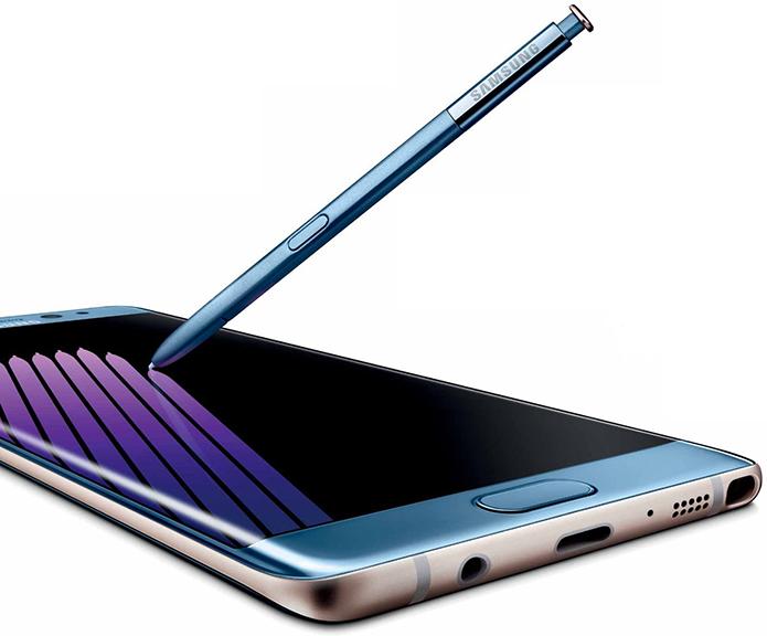 Note 7 e S7 Edge são bem parecidos: Note 7 tem cor azul e é um pouco maior e mais pesado (Foto: Divulgação/Samsung)