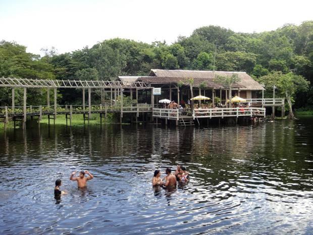 Rio Caraparu, em Santa Isabel do Pará (Foto: Thais Rezende/ G1)