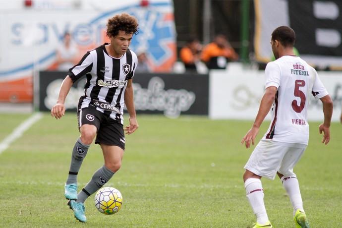 Camilo Pierre Botafogo x Fluminense (Foto: LUCIANO BELFORD/FRAMEPHOTO/ESTADÃO CONTEÚDO)