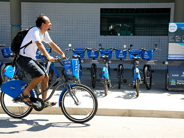 Foi inaugurada a segunda estação do Bicicleta Integrada, compreendendo 50 bicicletas, patrocinadas pela Unifor e Indaiá (Foto: Ares Soares/Unifor)