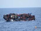 Vídeo mostra naufrágio de barco com mais de 500 migrantes na costa líbia