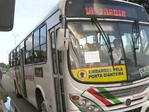 Dia começou com mais ônibus circulando em João Pessoa (Foto: Reprodução / TV Cabo Branco)