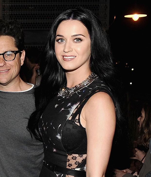 Katy Perry deixa sutiã à mostra com vestido com transparência (Foto: Getty Images)