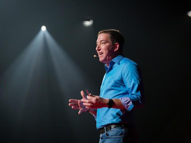 Glenn Greenwald fala na conferência TED, nesta terça-feira (7) , em Copacabana, no Rio (Foto: James Duncan Davidson/TED)