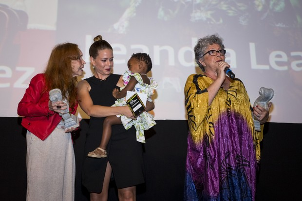 Helena Ignez, Leandra Leal com Julia e Ângela Leal (Foto: Leo Lara/Divulgação)