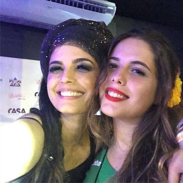 Emanuelle Araújo com sua filha Bruna Bulhões, de 23 anos (Foto: Reprodução Instagram)