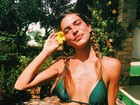 Mariana Goldfarb exibe corpo sequinho em fotos de biquíni