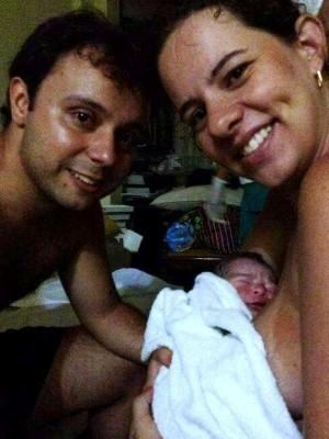 Bruna e o marido Rodrigo Kaitzor optaram pelo parto humanizado (Foto: Bruna Golegã/ Arquivo Pessoal)