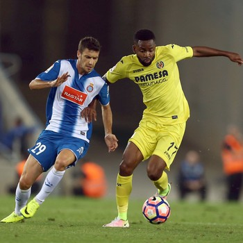 Cedric Bakambu e Aarón Martín Espanyol x Villarreal  (Foto: EFE)
