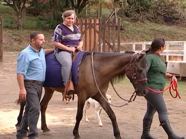 Equoterapia melhora a qualidade de vida em Arujá  (Foto: Reprodução / Tv Diário)