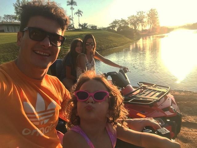 Rodrigo Faro e família (Foto: Reprodução/Instagram)