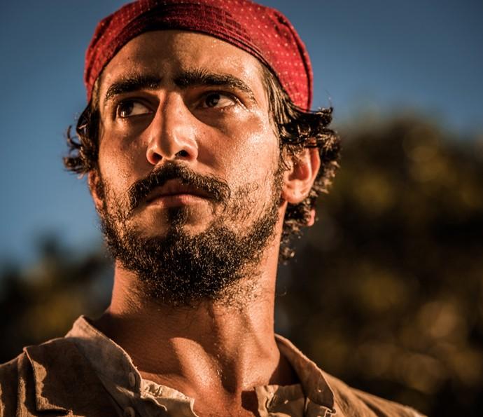 Renato Goes interpreta Santo durante parte da novela. Quando pequeno, o personagem é vivido por Rogerinho Costa e, na fase contemporânea, por Domingos Montagner (Foto: Caiuá Franco/ Globo)