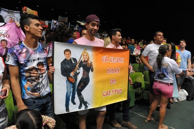 Fã clube bibas do Calypso (Foto: Francisco Cepeda/AgNews)