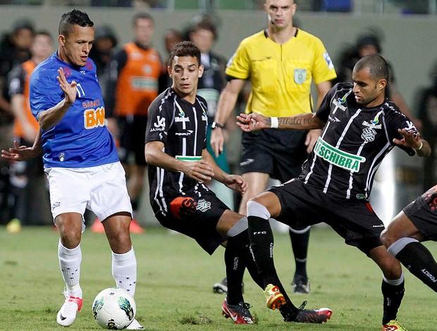 Souza, Caio, Cruzeiro x Figueirense (Foto: Washington Alves / Vipcomm)