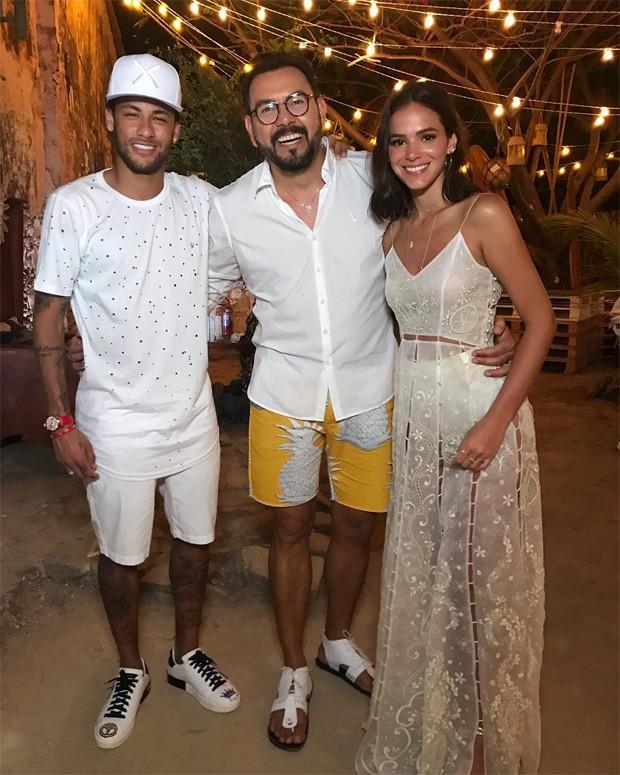 Neymar, Auricelio Romao e Bruna Marquezine (Foto: Reprodução/Instagram)