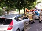 Mulher morre após cair da moto e ser atropelada por carro em Petrópolis, RJ
