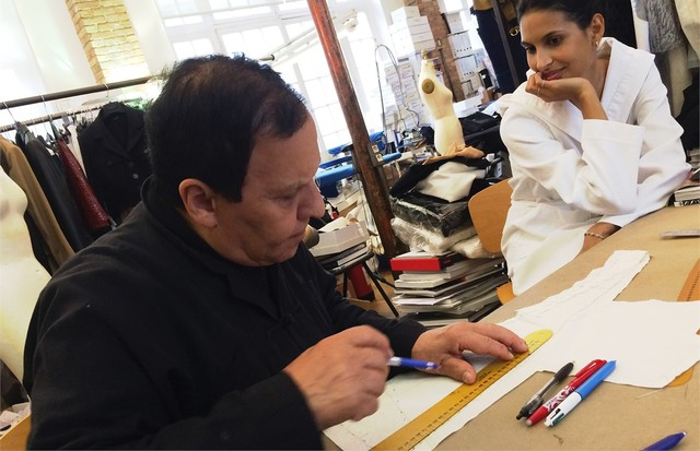 Azzedine at Work - every last piece was designed by himself (Foto: reprodução/instagram)