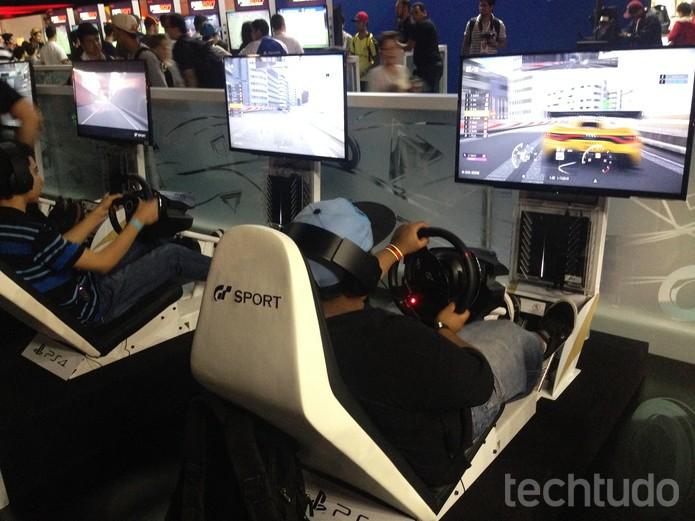 Gran Turismo Sport mantém simulação de alta qualidade e diverte bastante (Foto: Felipe Vinha/TechTudo)