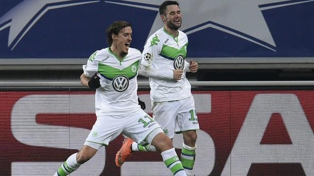 Kruse, autor do terceiro gol do Wolfsburg, comemorando