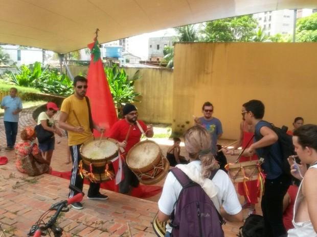 Coletivos culturais de Belém protestam contra o fim do Ministério da Cultura, em Belém. (Foto: Ingo Muller/G1 Pará)