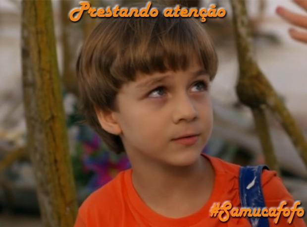 Samuca presta atenção (Foto: Flor do Caribe/TV Globo)