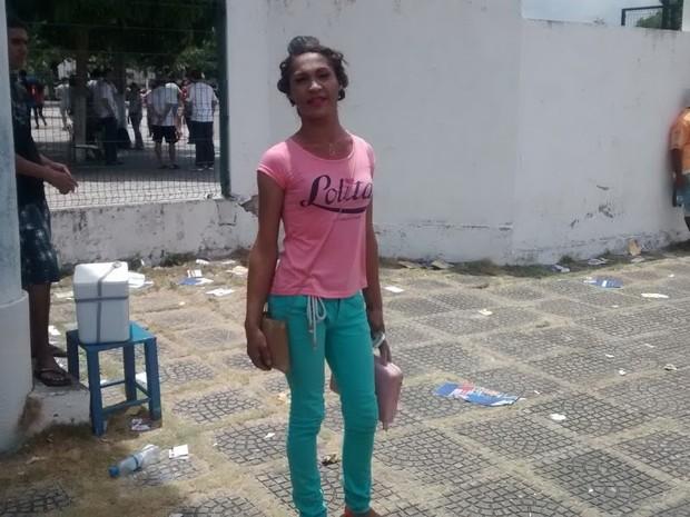 Lana Souza, 20 anos, vai usar nome social  (Foto: Elias Bruno/G1)