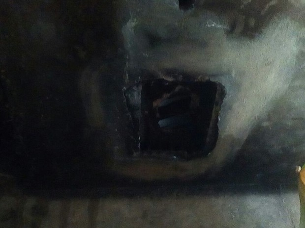 Detentou tento fugiu por buraco aberto na teto na Penitenciária Irmão Guido  (Foto: Divulgação/Sinpouljuspi )