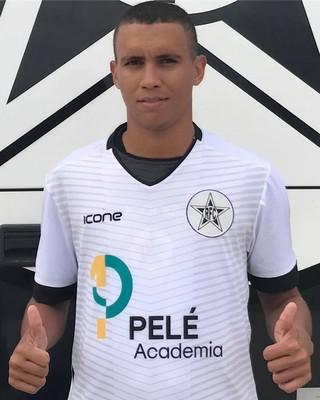 Pingo já vestiu a camisa do Resende e está à disposição (Foto: Divulgação/Resende FC)