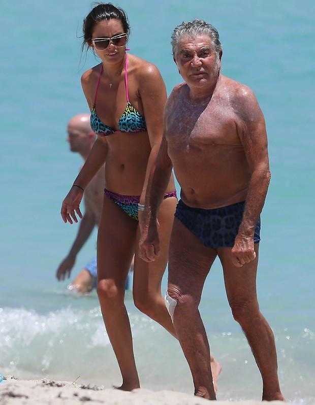Roberto Cavalli e a namorada, Lina Nilson (Foto: AKM/GSI)