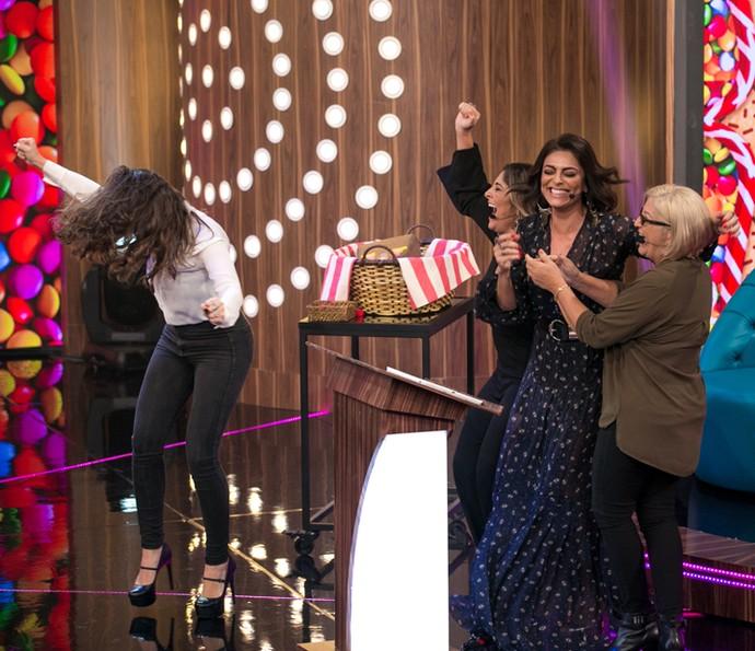Juliana Paes e sua família comemoram muito vitória em prova (Foto: Isabella Pinheiro / Gshow)