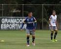 Vinte jogos depois, Bryan volta a ser titular da lateral esquerda do Cruzeiro