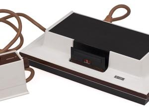O Magnavox Odissey, de 1972, é o primeiro videogame fabricado no mundo. (Foto: Divulgação/Arquivo Pessoal/Cleidson Lima)