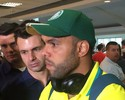 Na chegada a SP, Alecsandro festeja primeiro jogo depois de falso doping