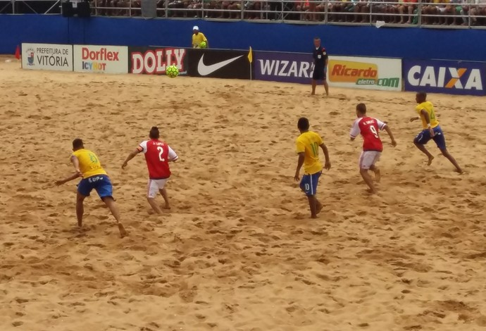 Brasil vence Paraguai sem dificuldade na final (Foto: André Rodrigues/Globo Esporte ES)