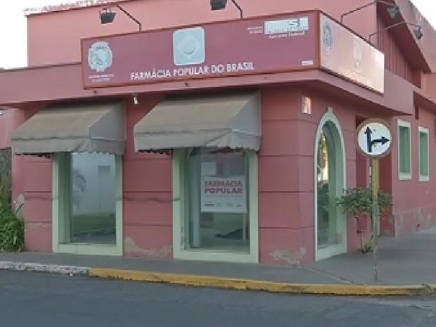 Farmácia terá de contratar funcionário em Araçatuba (Foto: Reprodução/ TV TEM)