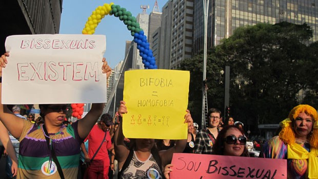 Participantes protestaram contra o machismo e a homofobia (Foto: Darlan Alvarenga/G1)