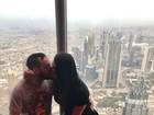 Gracyanne Barbosa e Belo visitam prédio mais alto do mundo em Dubai