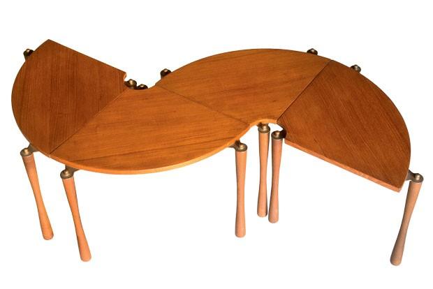 Mesas com influência art déco, design Peter Hvidt, 1960 (Foto: divulgação)