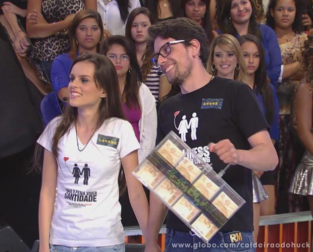 Layane e André ganharam R$ 10 mil no Desencana (Foto: Caldeirão do Huck/TV Globo)