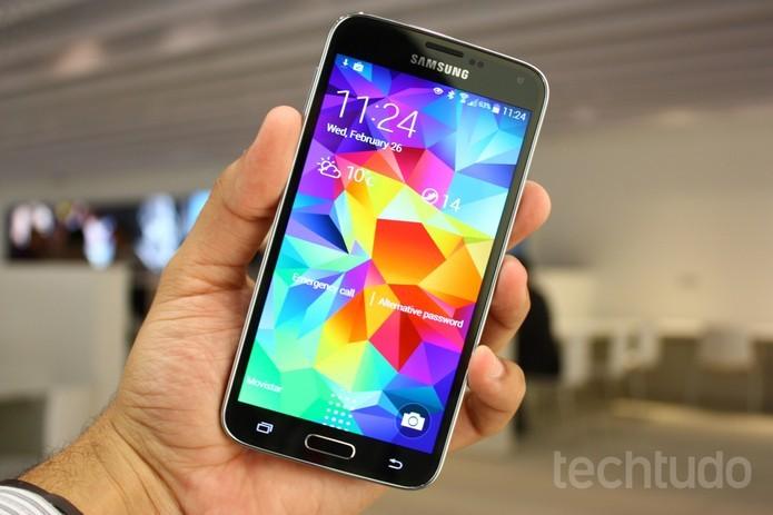 O esperado Galaxy S5 não deixou a desejar (Foto: Allan Melo/ TechTudo)