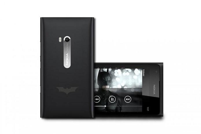 Nokia Lumia 900 edição especial do Batman (Foto: Divulgação/Nokia)