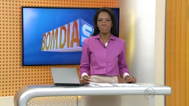 Maristela Niz apresenta o Bom Dia Sergipe desta sexta-feira (Foto: Divulgação / TV Sergipe)