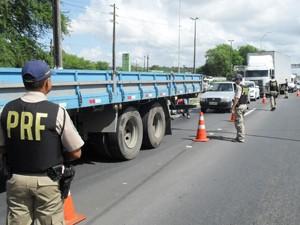 PRF realiza ação em rodovias da Paraíba (Foto: Divulgação/SINPRF)