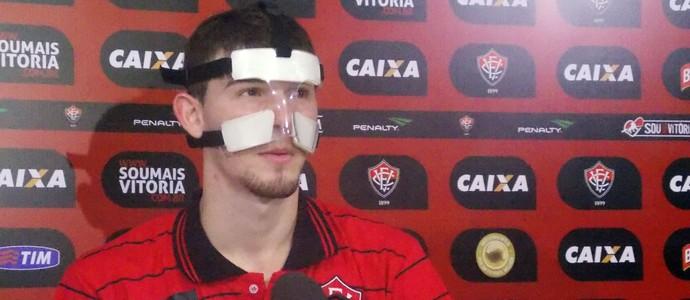 Luiz Gustavo; Vitória; Máscara (Foto: Thiago Pereira)