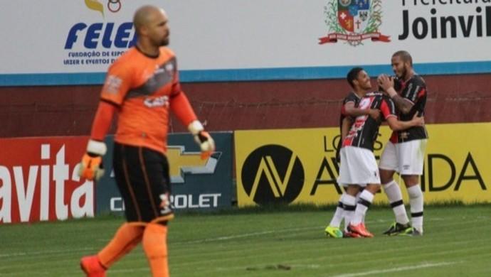 Márcio, goleiro do Atlético-GO (Foto: José Carlos Fornér/Joinville)
