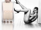 Rihanna causa polêmica de topless em anúncio de perfume