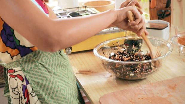 Salada de Hijiki (alga marinha) com cenoura da Bela Gil para o Bela Cozinha Ep energizantes (Foto: Divulgao)
